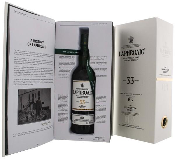 Laphroaig Single Malt Scotch Whisky 33 Jahre The Ian Hunter Story Book 3 Source Protector 0,7L 49,9%